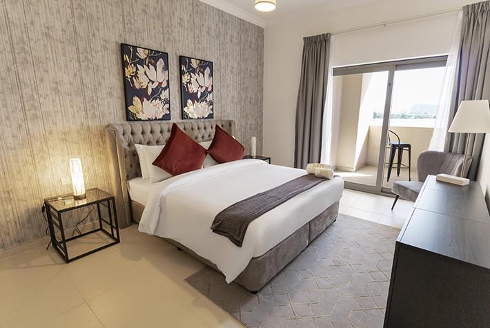 Palm Jumeirah - Sarai Apartments (Beach-front)